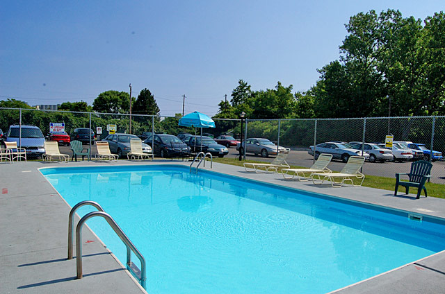 810 riverview drive 6a off campus and commuter student - Riverview swimming pool pittsburgh pa ...