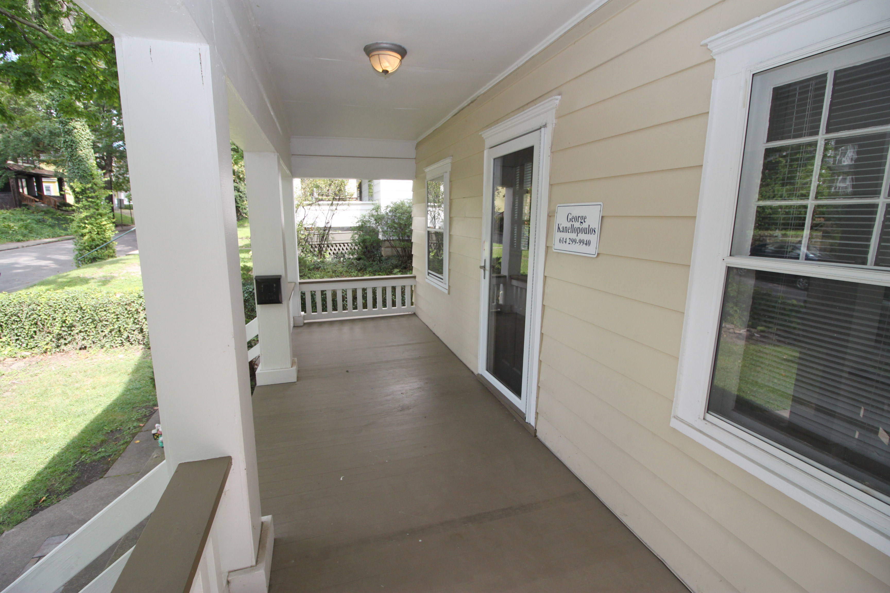 213 East Oakland Avenue : Off-Campus and Commuter Student